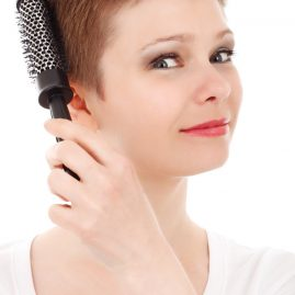woman_brushing_hair